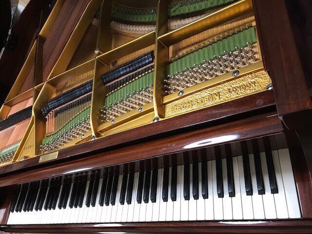 ベヒシュタインベビーグランドピアノ